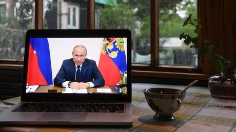 Wladimir Putin nennt weitere Maßnahmen zur Unterstützung der Bürger und kündigt Corona-Lockerungen an