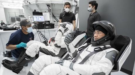 Das Unternehmen SpaceX will mit seiner Raumkapsel Crew Dragon der russischen Weltraumbehörde Roskosmos in Zukunft Konkurrenz machen.