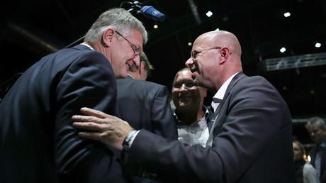 Beim Parteitag der AfD am 01.12.19 in Braunschweig verstanden sich Jörg Meuthen und Andreas Kalbitz noch gut.