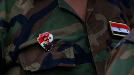 Das Konterfei des syrischen Präsidenten Baschar al-Assad auf der Uniform eines syrischen Soldaten, der an den International Army Games 2019 in Russland teilnimmt.