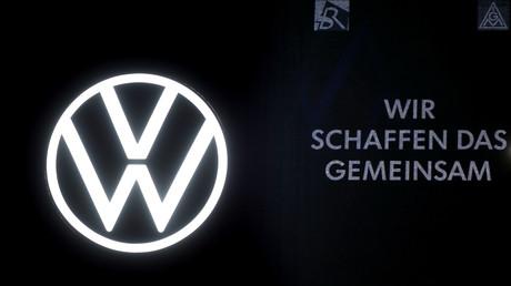 Symbolbild: Am Stammsitz der Volkswagen AG Wolfsburg, am 24.04.2020