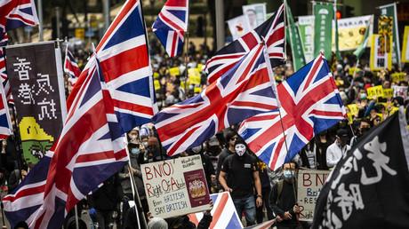Großbritannien herrschte mit eiserner Faust über Hongkong, aber China verletzt angeblich Menschenrechte (Demonstranten unter britischer Hoheitsflagge am Victoria Park in Hongkong, 1. Januar 2020)