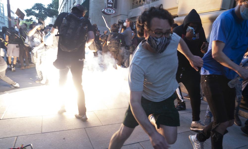 """""""Das sind vollblütige Amerikaner"""": Reaktionen auf die Vorwürfe äußerer Einmischung bei US-Protesten"""
