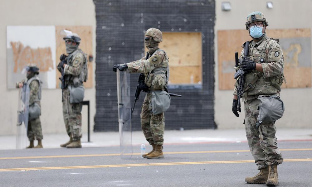 """""""Mal sehen, wie hart diese Antifa-Terroristen sind"""" - US-Senator für Einsatz von Elite-Kampftruppen"""