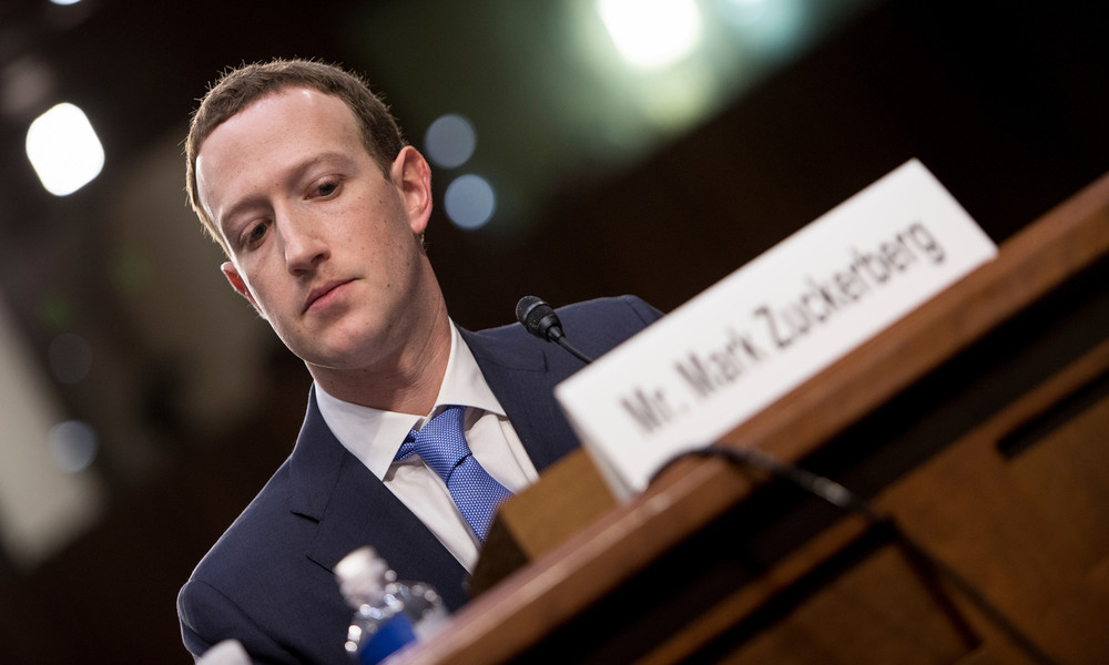 """""""Mark hat unrecht"""": Zuckerberg erntet von Mitarbeitern Kritik für Haltung gegenüber Trump"""