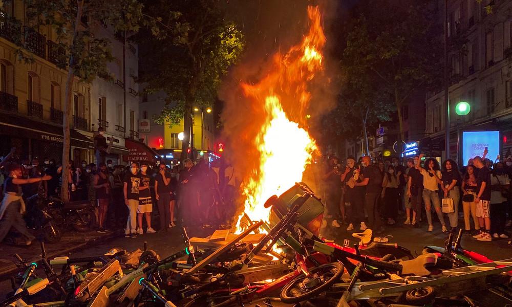 Frankreich: Ausschreitungen bei Demonstrationen gegen Rassismus und Polizeigewalt