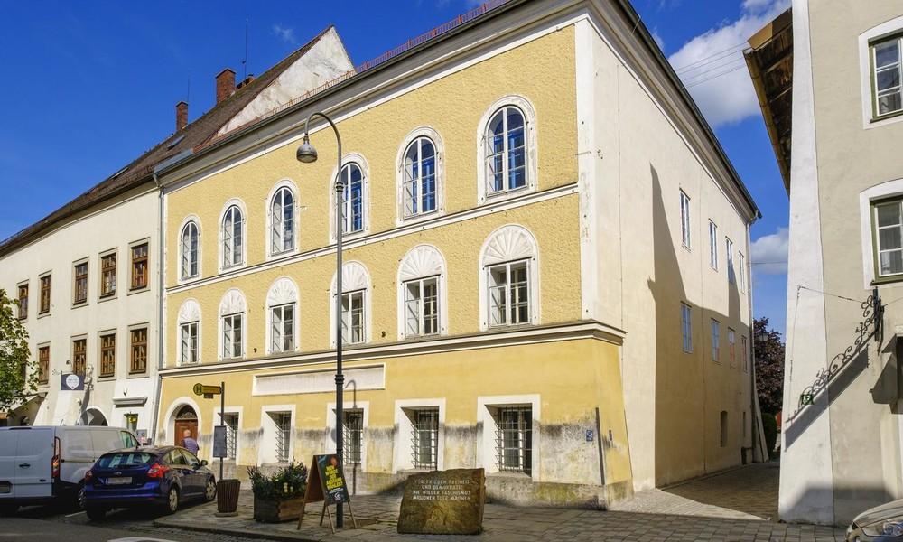 Umbau von Hitlers Geburtshaus zur Polizeistation: Das sagen die Einwohner von Braunau (Video)
