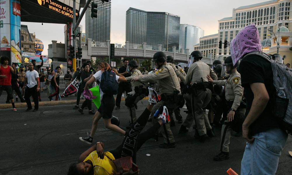Agents Provocateur: Rechtsextreme mischten sich in Las Vegas unter Demonstranten