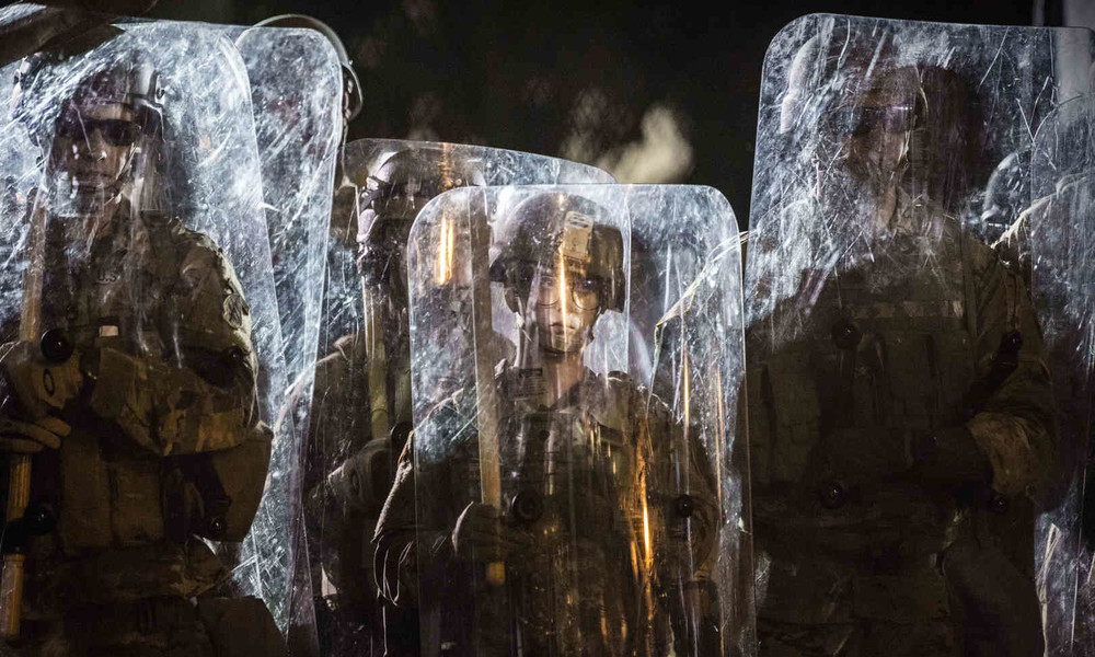 """Eskalation der Gewalt im """"Land der Freiheit"""": Washington lässt die Masken fallen"""
