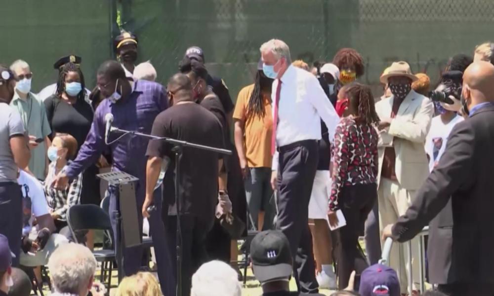 Bei Trauerfeier für George Floyd: Buh-Ruf-Konzert für New Yorker Bürgermeister