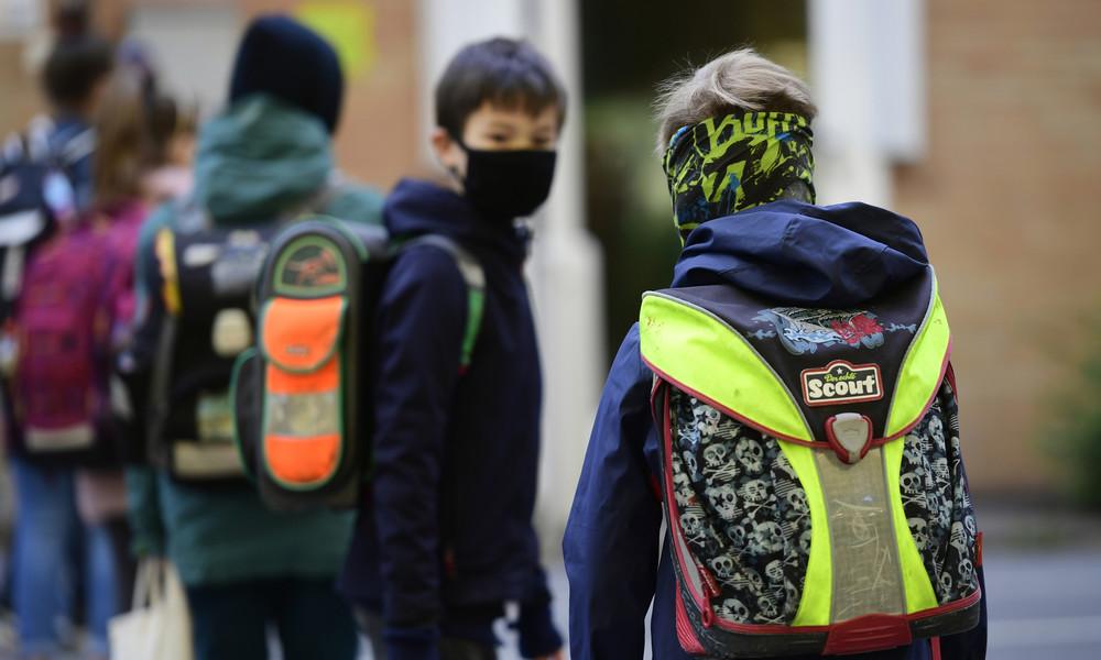 Deutscher Lehrerverband fordert Maskenpflicht im Unterricht