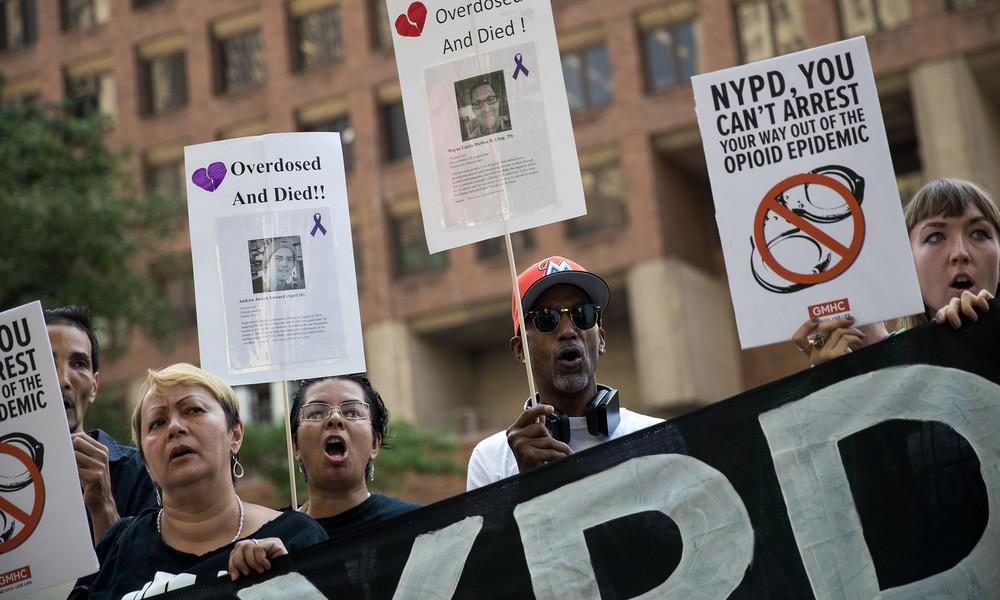 """Der jahrzehntelange """"Krieg gegen die Drogen"""" als Hauptgrund der Unruhen in den USA"""