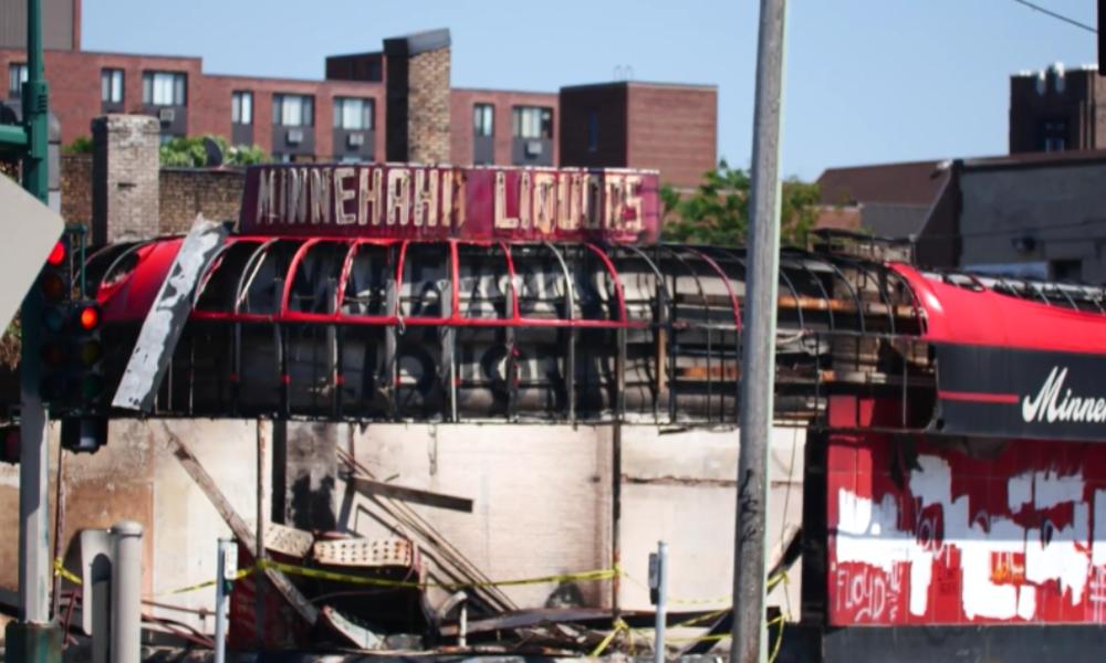 Minneapolis: George-Floyd-Unruhen ziehen Spur der Zerstörung nach sich