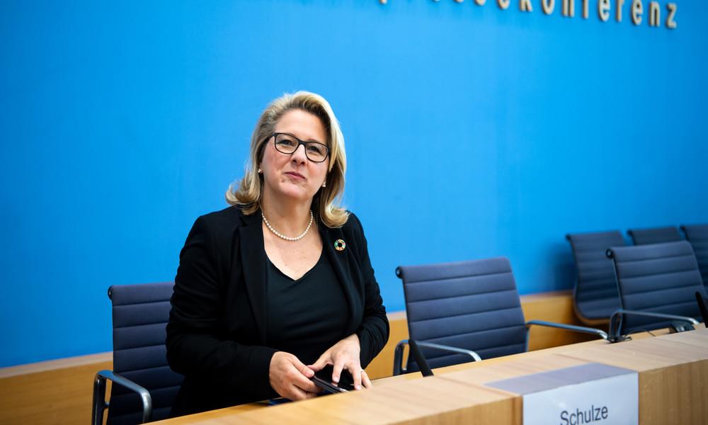 LIVE: Umweltministerin Svenja Schulze gibt Pressekonferenz zur Corona-Auswirkung auf die Umwelt