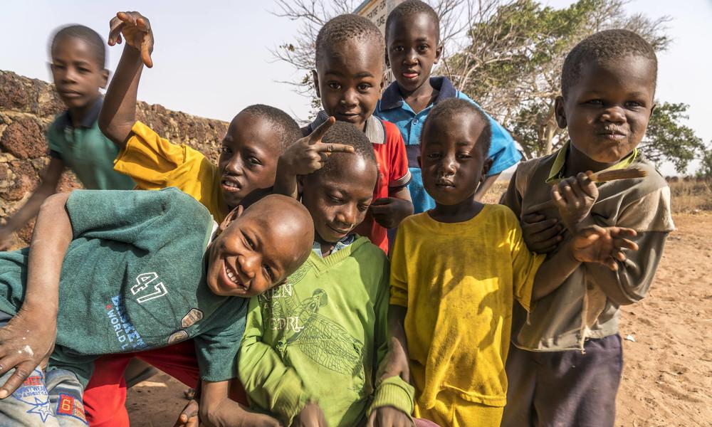 UNO: Millionen Kindern droht durch COVID-19-Pandemie Arbeit statt Schule