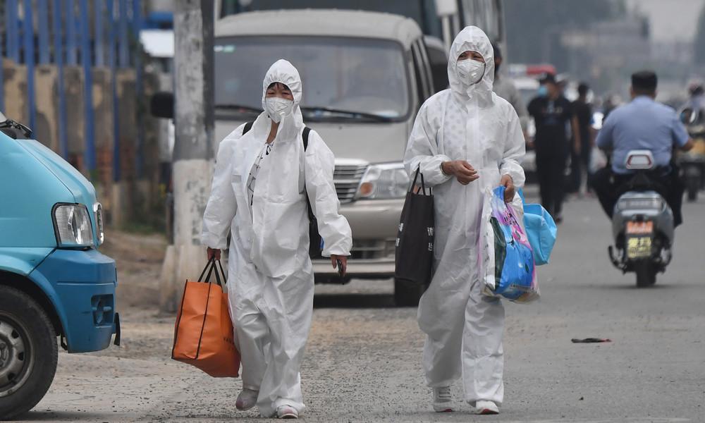 Corona-Ausbruch auf Großmarkt in Peking: Behörden riegeln elf Wohnblocks ab