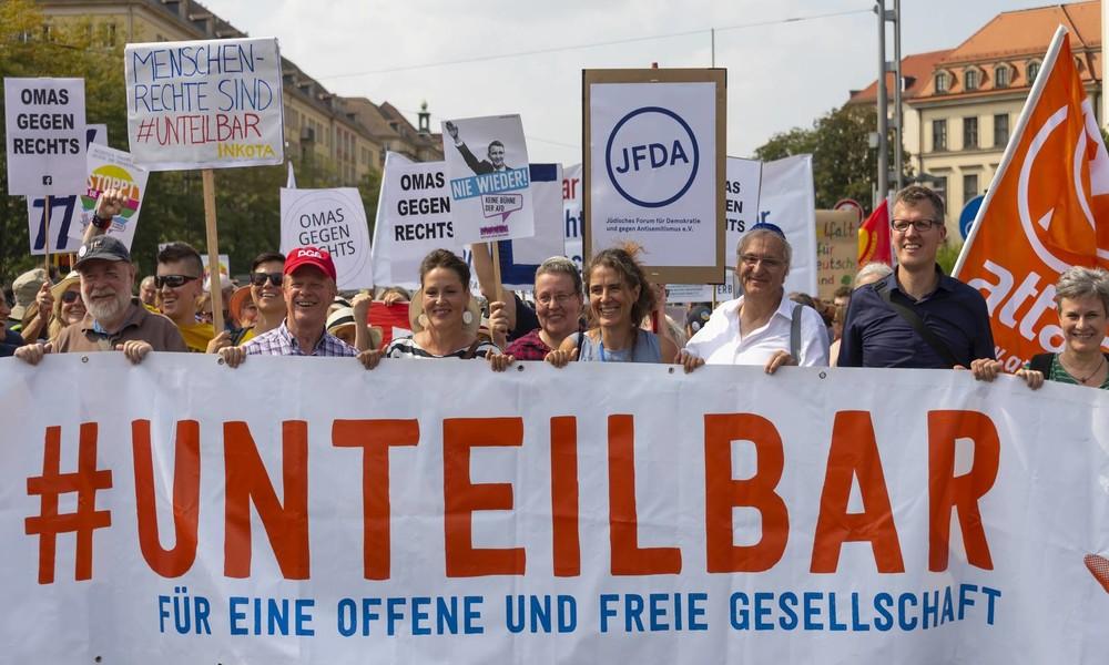 """LIVE aus Berlin: """"Unteilbar""""-Demo für Solidarität und gegen Rassismus"""