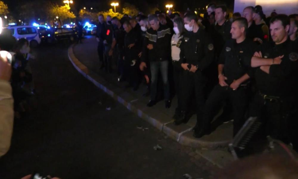 """Paris: """"No police, no peace"""" – Polizisten protestieren gegen Stigmatisierung nach BLM-Protesten"""