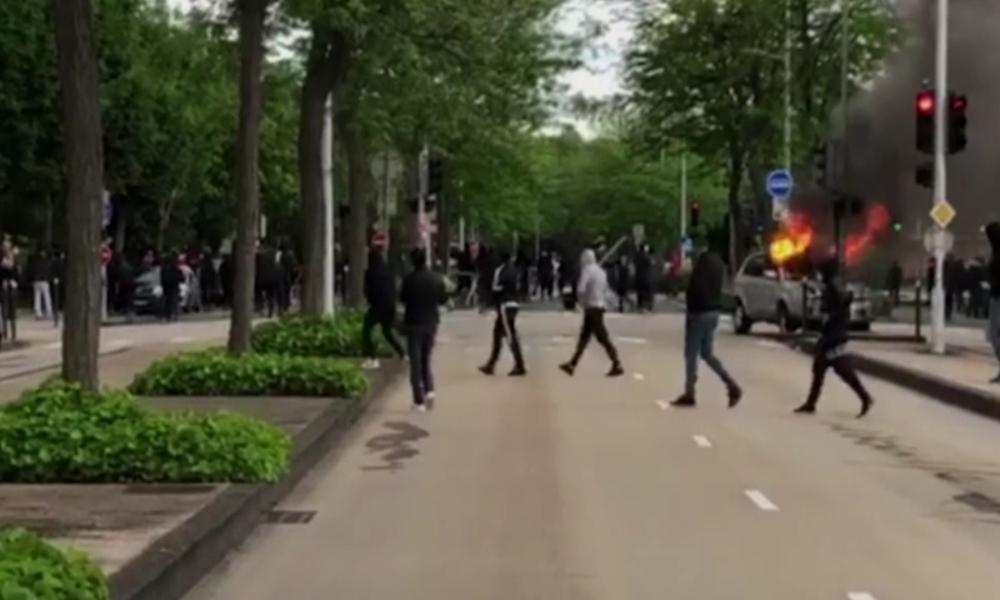 """""""Die Polizei hat uns allein gelassen"""" – Schwere Unruhen zwischen bewaffneten Migranten in Dijon"""