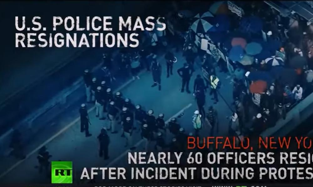 Moral auf dem Tiefpunkt: US-Polizei laufen die Beamten weg (Video)