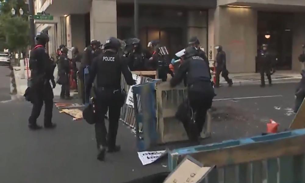 "USA: Polizei räumt ""autonome Zone"" in Portland"