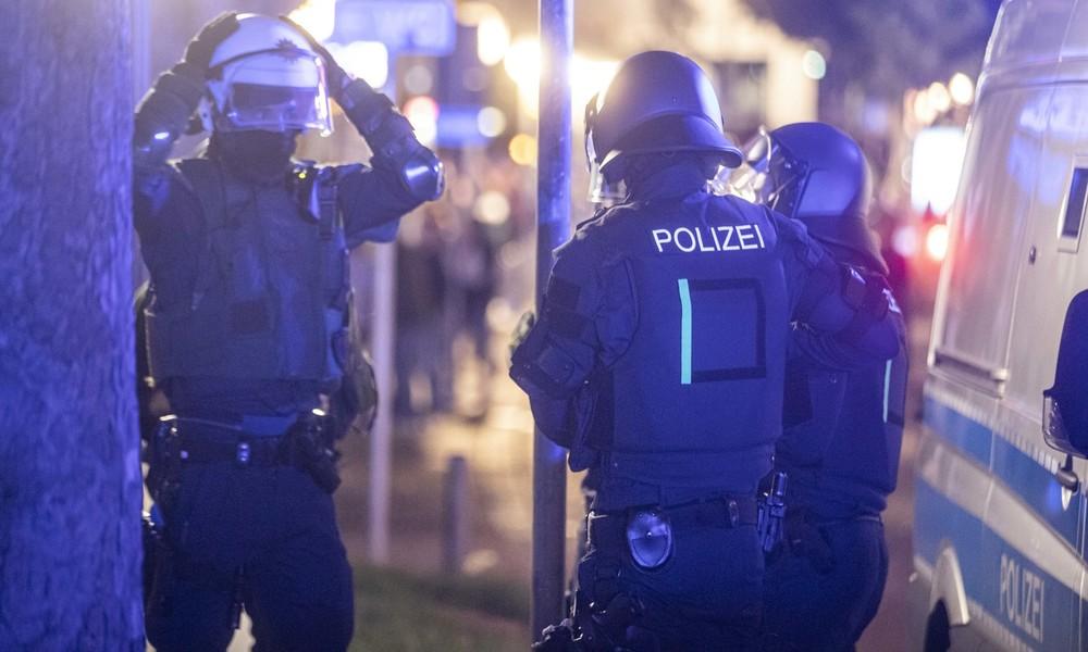 Krawallnacht in Stuttgart: Randalierer greifen Polizei an und verwüsten die Innenstadt