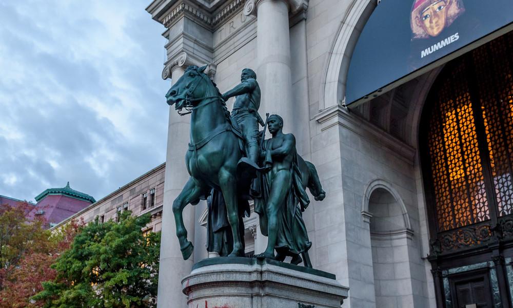 """""""Schwarze und Indigene als minderwertig dargestellt"""": Abbau der Roosevelt-Statue in New York"""