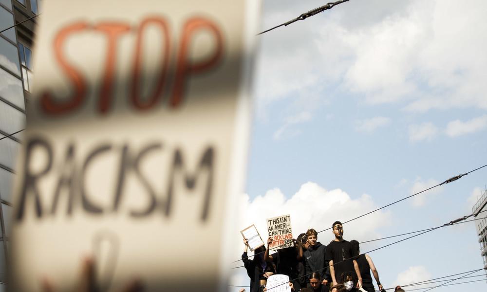 USA: Halbherziger Kampf gegen Rassismus im Zeichen der Imagepflege (Video)