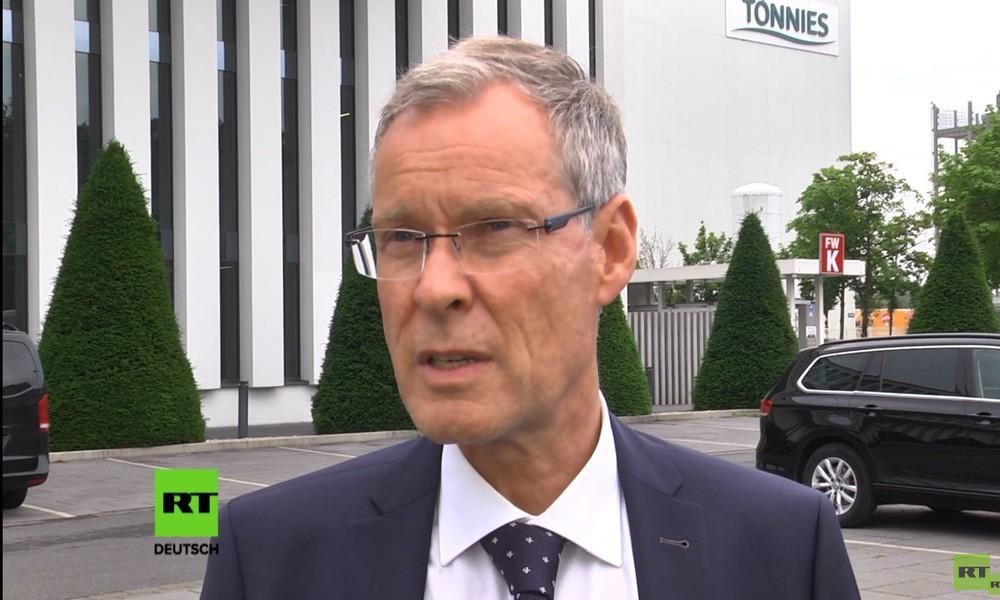 Gütersloher Landrat: EU-Grenzöffnungen führten zur Corona-Ausbreitung in Fleischfabrik