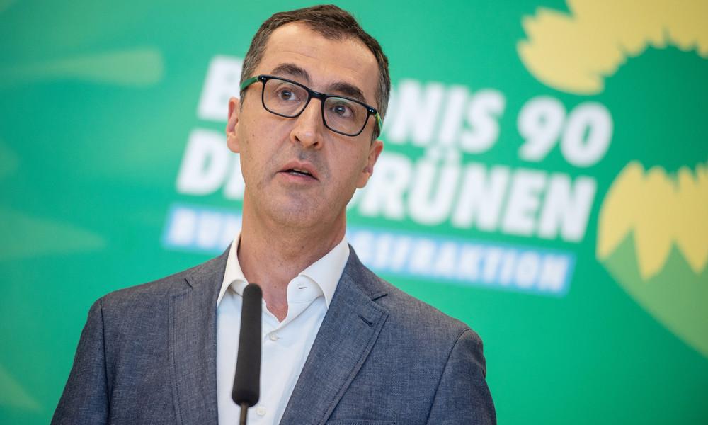"""Grünen-Politiker Özdemir schnauzt Passanten an: """"Halten Sie bitte die Fresse!"""""""
