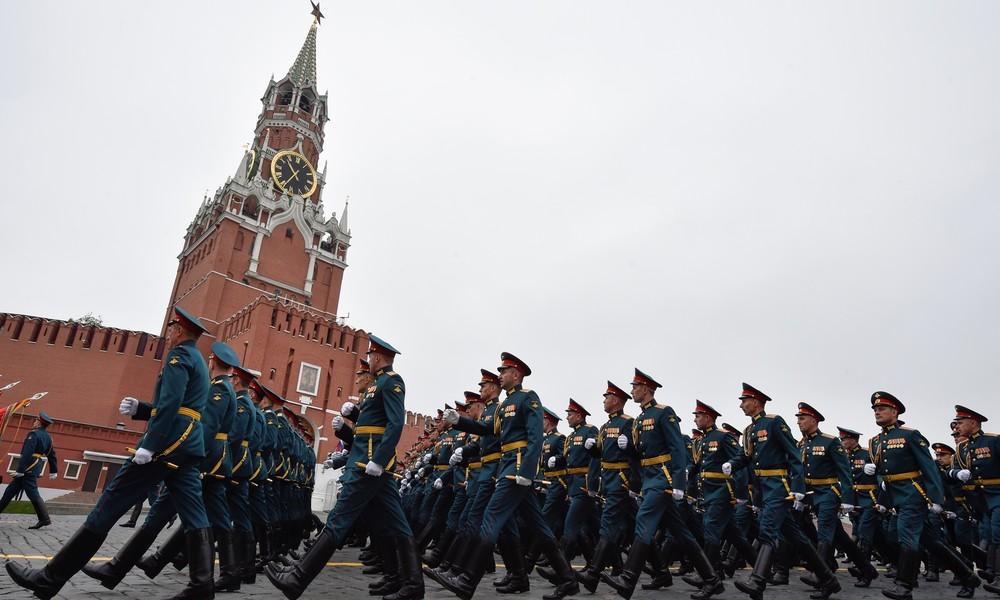 Siegesparade in Moskau – RT Deutsch sendet LIVE mit deutscher Simultanübersetzung