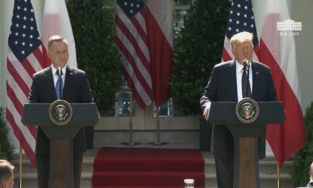 """Trump zu US-Truppenabzug: Deutschland schuldet der NATO """"wahrscheinlich fast eine Billion Dollar"""""""