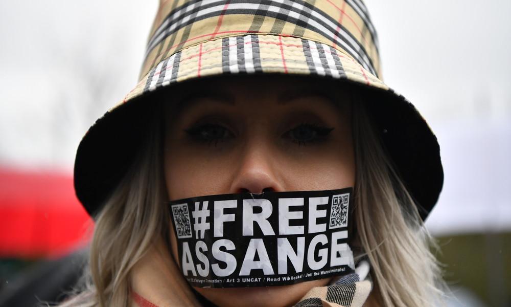Einer geht noch: US-Justiz mit neuer Anklage gegen Julian Assange