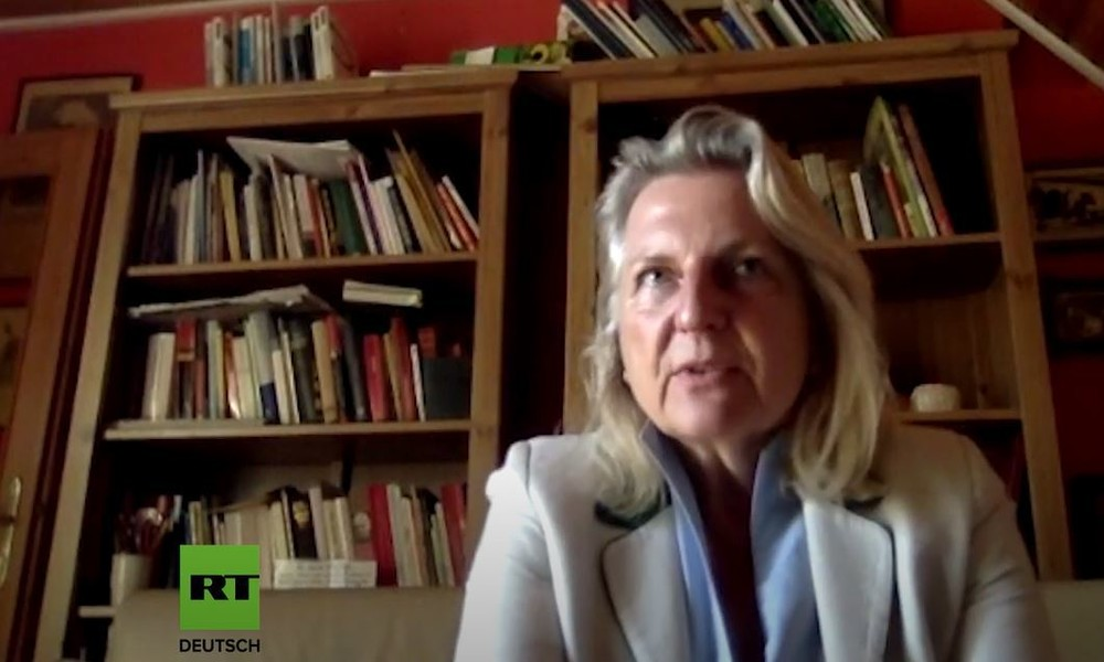 """""""Die Verfassung ist immer Spiegelbild der Gesellschaft"""" – Karin Kneissl über Abstimmung in Russland"""