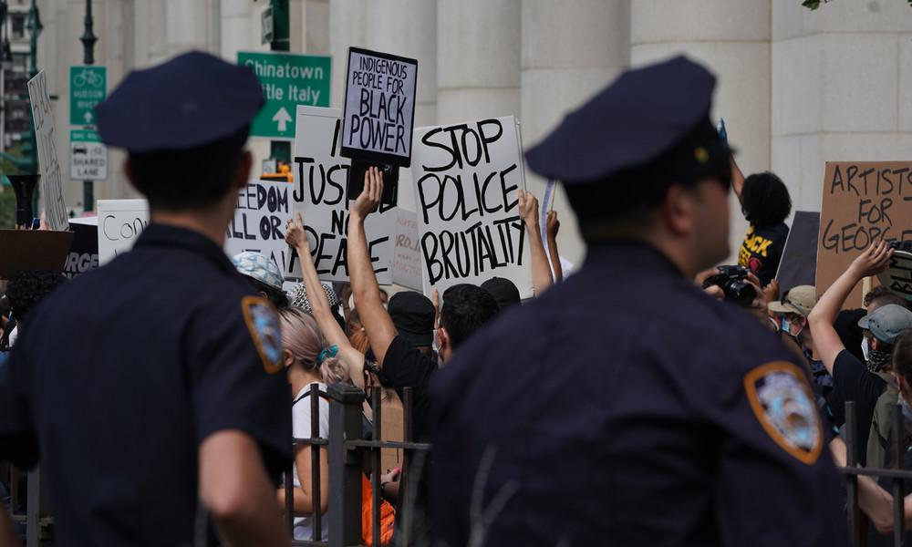 Nach Auflösung von Polizeieinheit: Schießereien in New York auf Höchststand (Video)