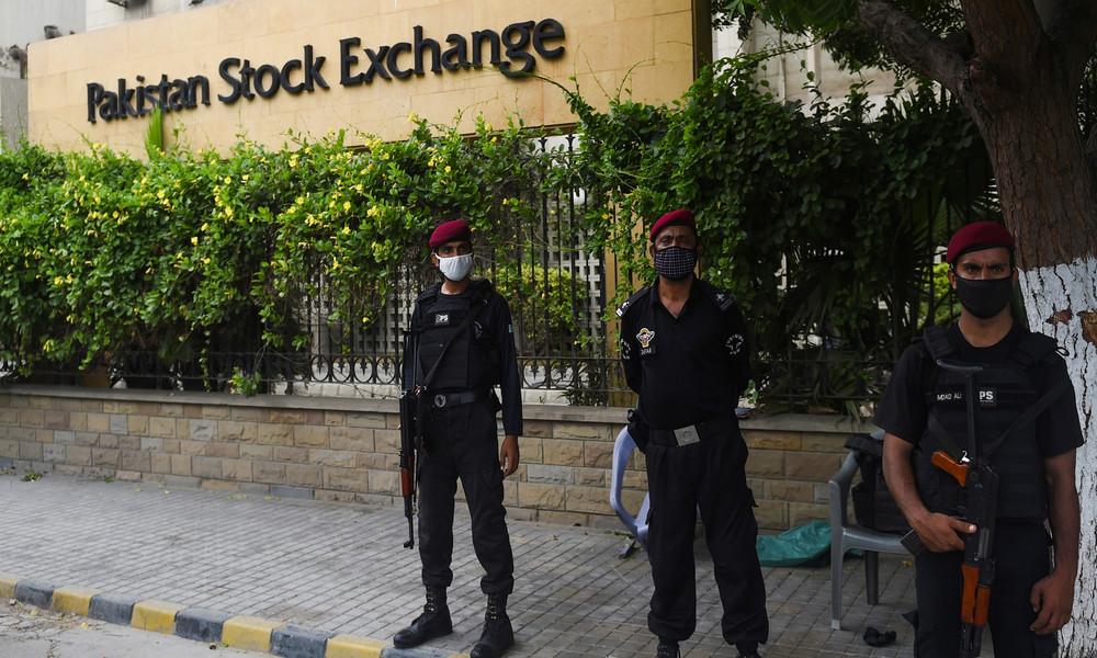 Pakistan: Militante greifen Börse in Karatschi mit Granaten an – Mehrere Tote