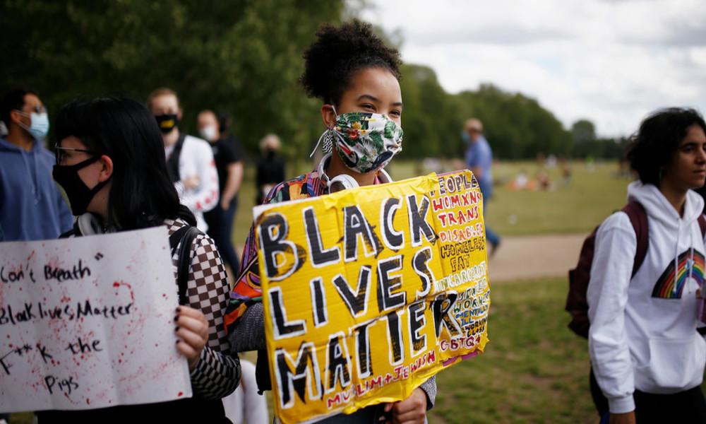 Wegen Solidarität mit Palästinensern: Britische BLM-Aktivisten des Antisemitismus beschuldigt