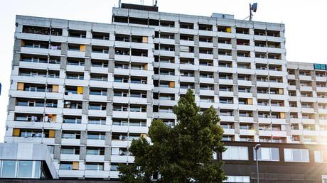 In einem Hochhauskomplex am Rande der Innenstadt von Göttingen, dem sogenannten Iduna-Zentrum, werden in den nächsten Tagen alle Bewohner auf das Virus getestet.