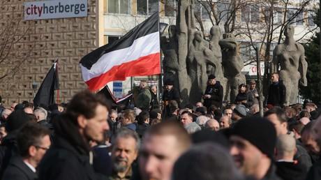 Archivbild: Rechtsgerichtete Demonstranten am 15.02.2020 im Zentrum von Dresden