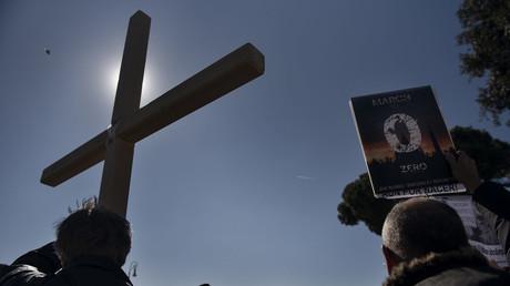 Protest von Ending Clergy Abuse (ECA), einer Organisation von Überlebenden von und Aktivisten gegen Missbrauch, während des päpstlichen Gipfels zur Krise des sexuellen Missbrauchs in katholischen Kirche, 23. Februar 2019 in Rom, Italien.