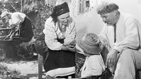 Eine ukrainische Bauernfamilie im 19. Jahrhundert. Szene aus dem sowjetischen Film