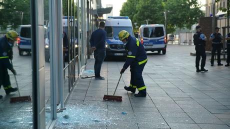 Randale in Stuttgart mit Verletzten und Plünderungen – Lage beruhigt sich am Sonntagmorgen wieder