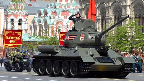 Ständiger Teilnehmer jeder Siegesparade auf dem Roten Platz: der sowjetische Panzer T-34. Auf dem Bild: bei der Parade am 9. Mai 2018.