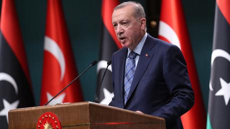Der türkische Präsident Recep Tayyip Erdoğan empfing am 4. Juni den libyschen Ministerpräsidenten Fajis as-Sarradsch in Ankara.