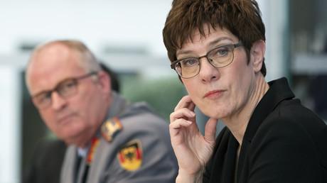 Bundesverteidigungsministerin Annegret Kramp-Karrenbauer bei einer Pressekonferenz mit dem Generalinspekteur der Bundeswehr (Bild vom 19. März).