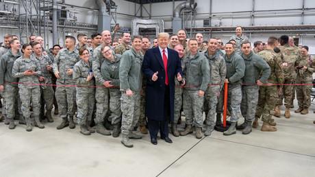 Donald Trump beim Truppenbesuch auf dem US-Luftwaffenstützpunkt Ramstein. (28. Dezember 2018)
