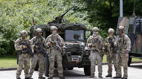 Angehörige des Sondereinsatzkommandos der Bundeswehr (KSK) in Calw bei Stuttgart, Juli 2014 (Quelle: Reuters/Michaela Rehle)