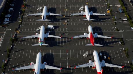 Flugzeuge vom Typ Boeing 737 MAX parken auf einem Parkplatz am Boeing-Feld in Seattle.