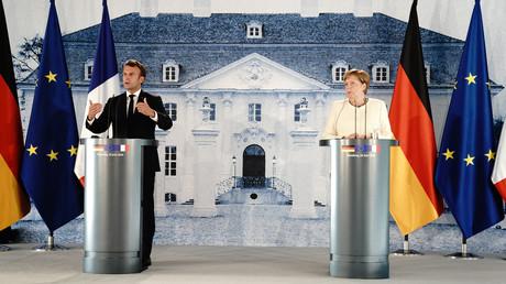 Frankreichs Staatschef Emmanuel Macron und Bundeskanzlerin Angela Merkel bei der gemeinsamen Pressekonferenz auf Schloss Meseberg am 29. Juni.