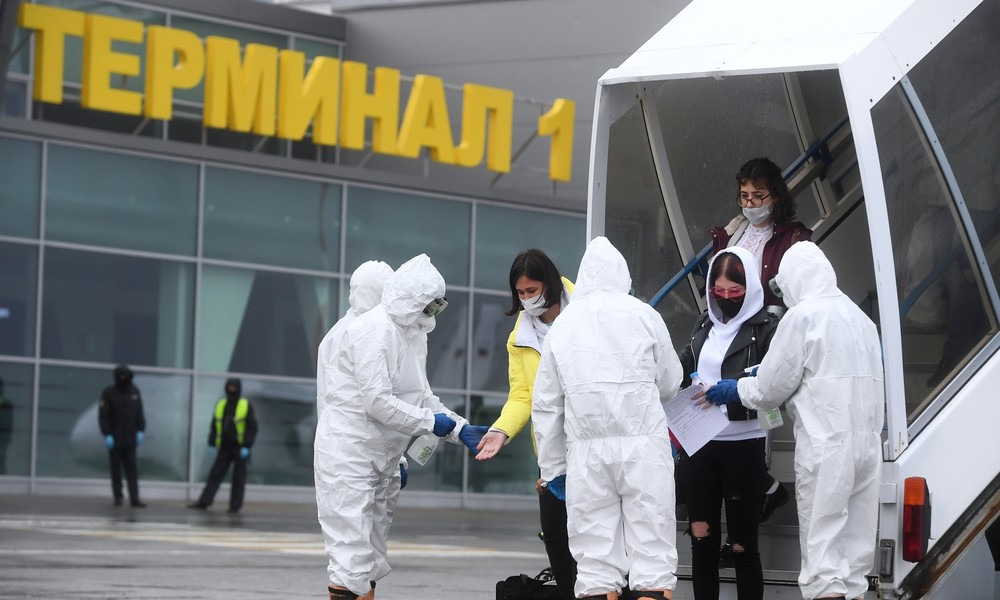 """""""Wir lassen unsere Menschen nicht zurück"""": Lawrow zur Evakuierung russischer Auslandstouristen"""